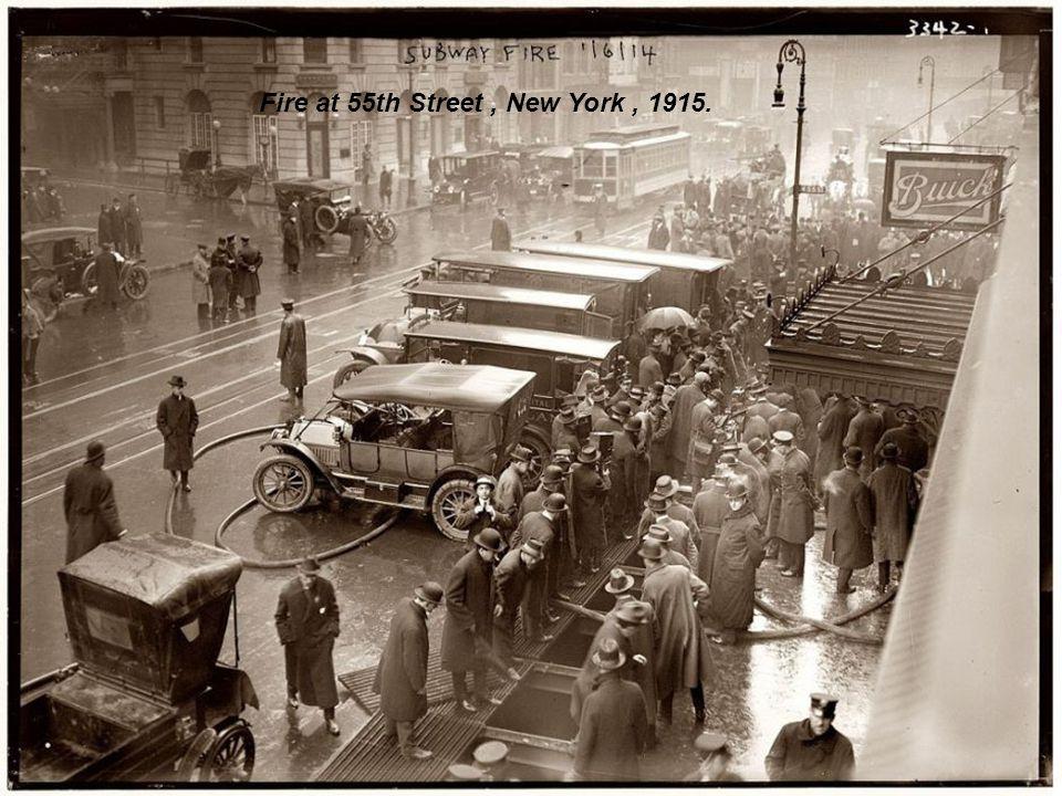 Broad Street north of Spruce Street, Philadelphia, 1905.