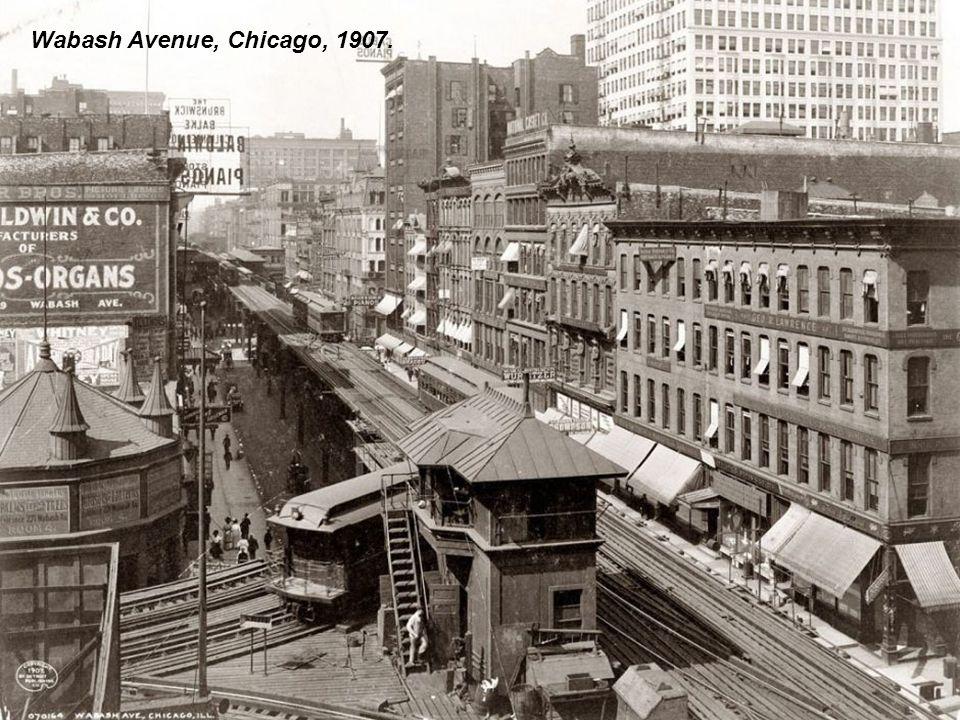 Fifth Avenue, New York, 1913.