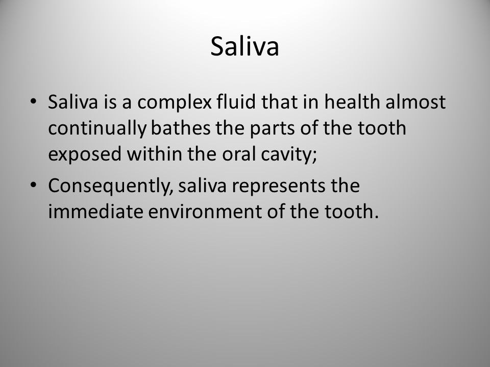 Average amount of saliva The average person produces approximately 0.5 to9 1,5 L per day.