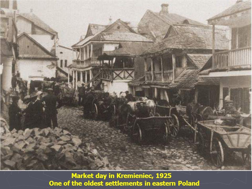 Market day in Hrubiesz, 1925
