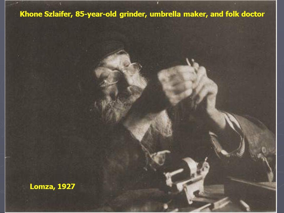 A shoemaker Warsaw, 1927