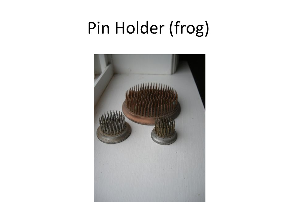 Pin Holder (frog)
