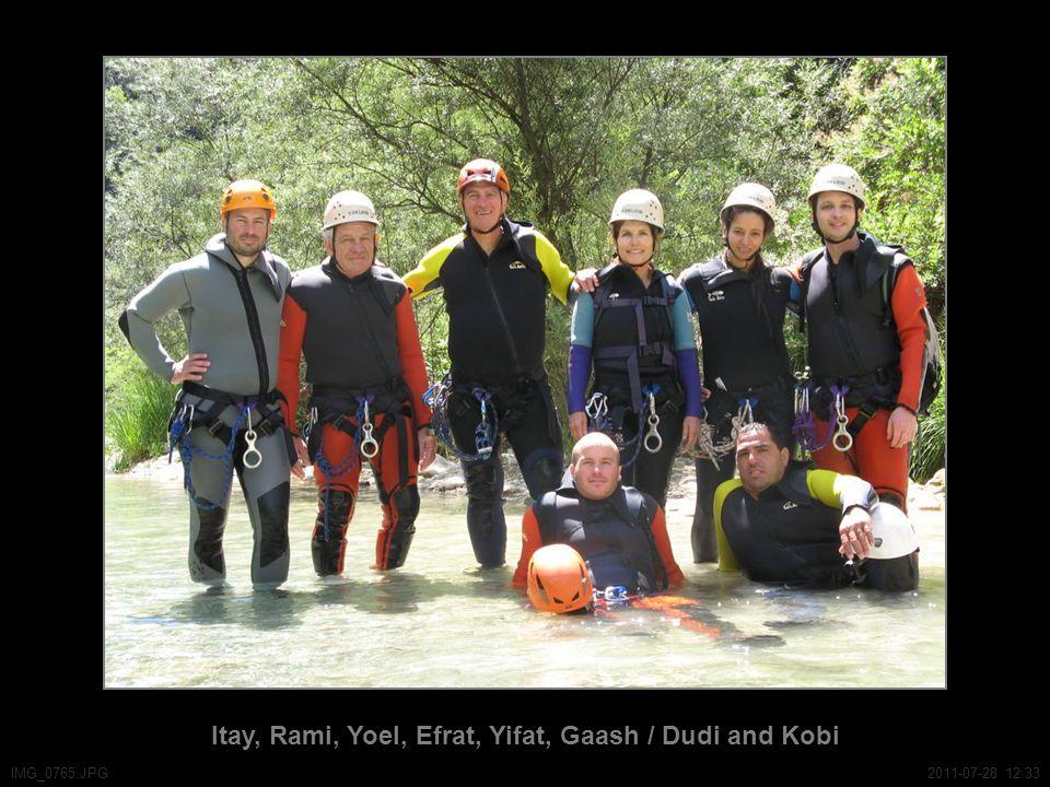 Itay, Rami, Yoel, Efrat, Yifat, Gaash / Dudi and Kobi IMG_0765.JPG2011-07-28 12:33