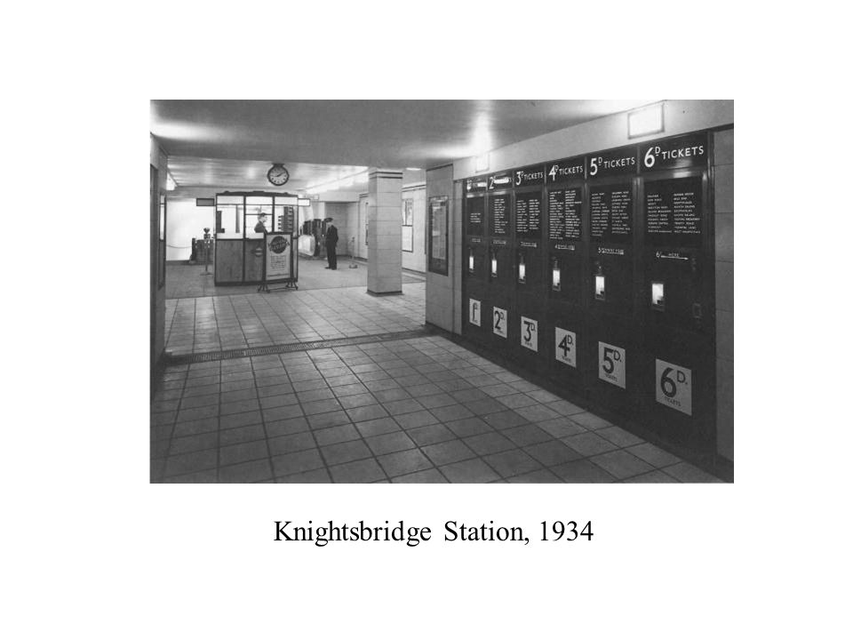 Knightsbridge Station, 1934