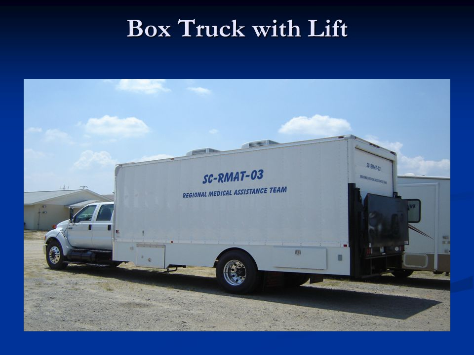 Box Truck with Lift