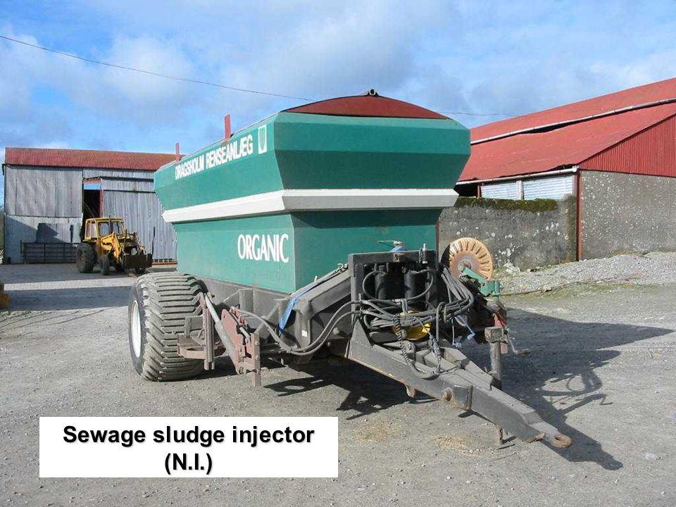 Sewage sludge injector (N.I.)