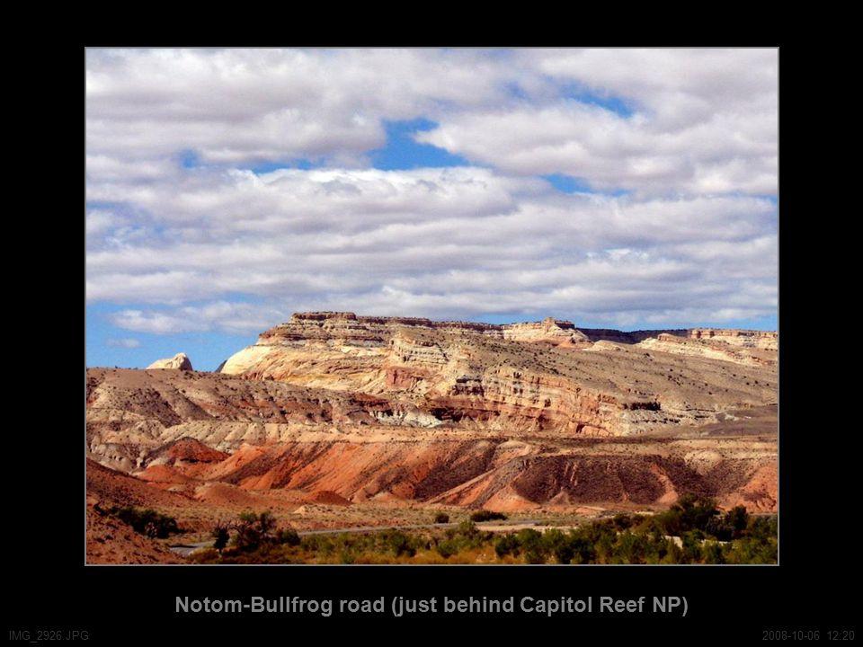 Notom-Bullfrog road (just behind Capitol Reef NP) IMG_2926.JPG2008-10-06 12:20