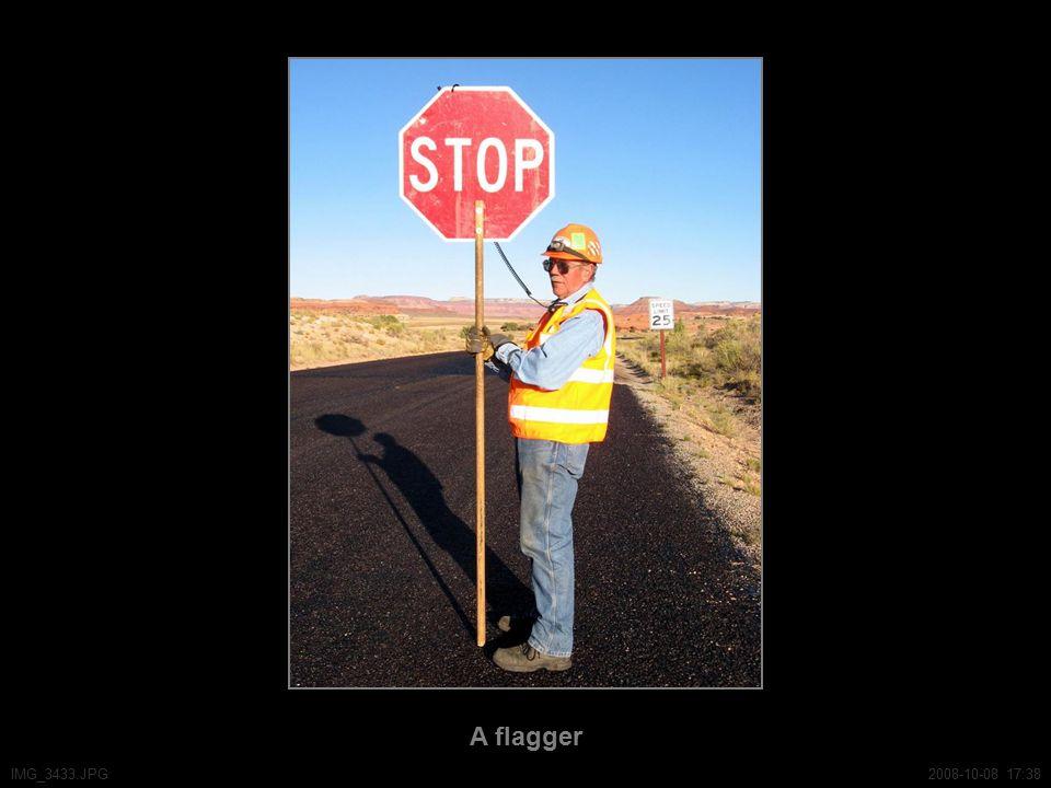 A flagger IMG_3433.JPG2008-10-08 17:38