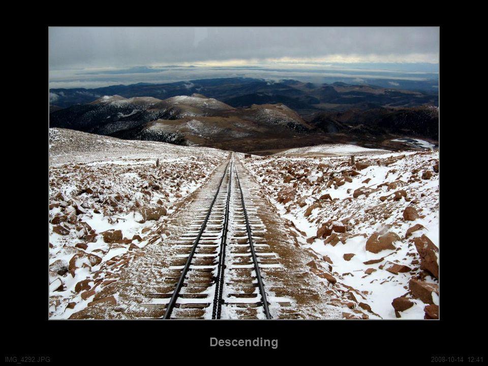 Descending IMG_4292.JPG2008-10-14 12:41