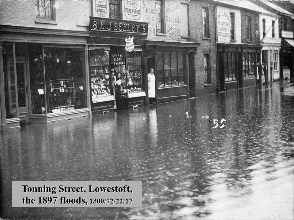 Tonning Street, Lowestoft, the 1897 floods, 1300/72/22/17