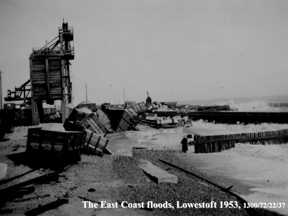 The East Coast floods, Lowestoft 1953, 1300/72/22/37