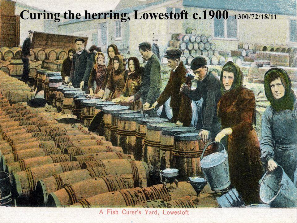 Curing the herring, Lowestoft c.1900 1300/72/18/11