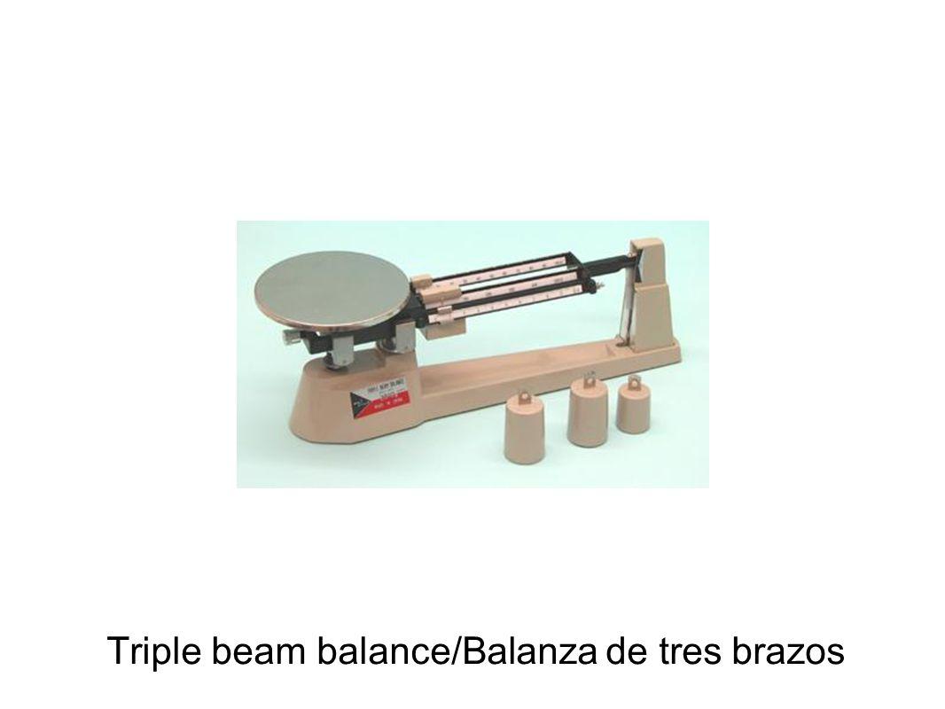 Triple beam balance/Balanza de tres brazos