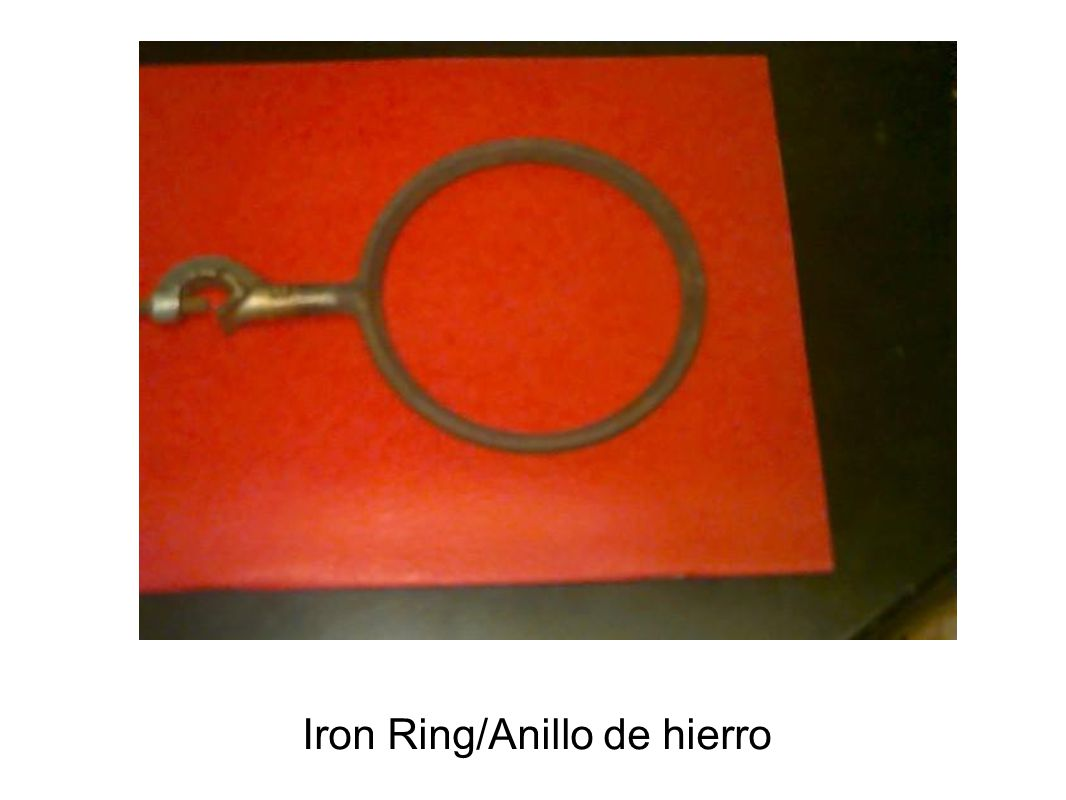 Iron Ring/Anillo de hierro