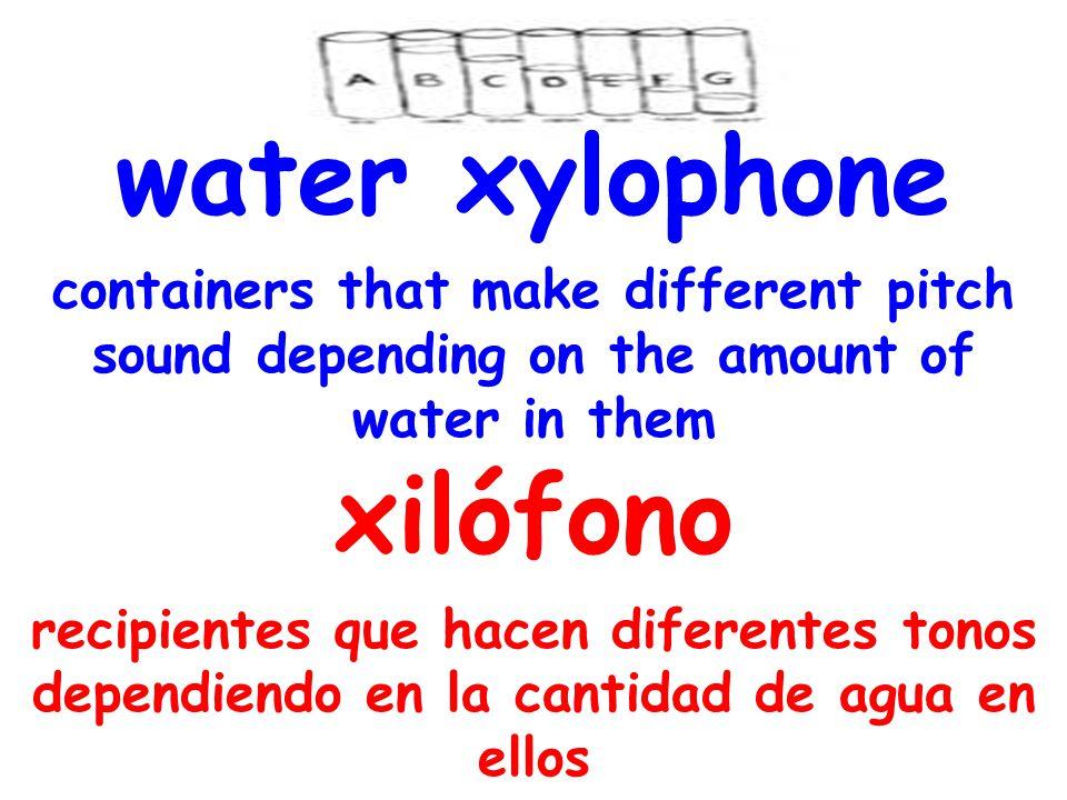 water xylophone containers that make different pitch sound depending on the amount of water in them xilófono recipientes que hacen diferentes tonos dependiendo en la cantidad de agua en ellos