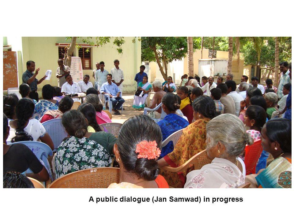 A public dialogue (Jan Samwad) in progress
