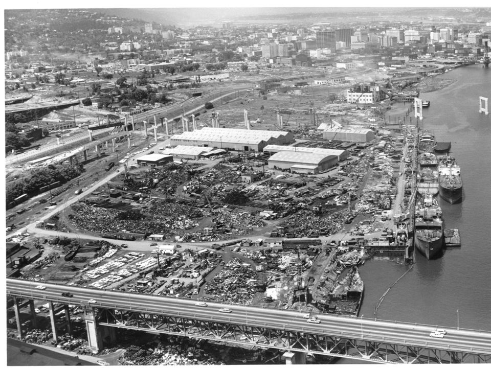 Historic Operation Wood treatment facility operating 47 years - 1944 to 1991 Process wastes and waste water discharges: creosote, PCP, and metals on land and in the Willamette River Site footprint: 40 acres upland soil 22 acres sediment