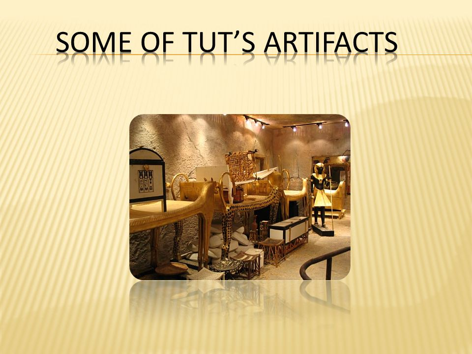 2.Tut's Mummy undergoes a CT-scanner. Tut's Mummy is the most famous gilded head in the world.