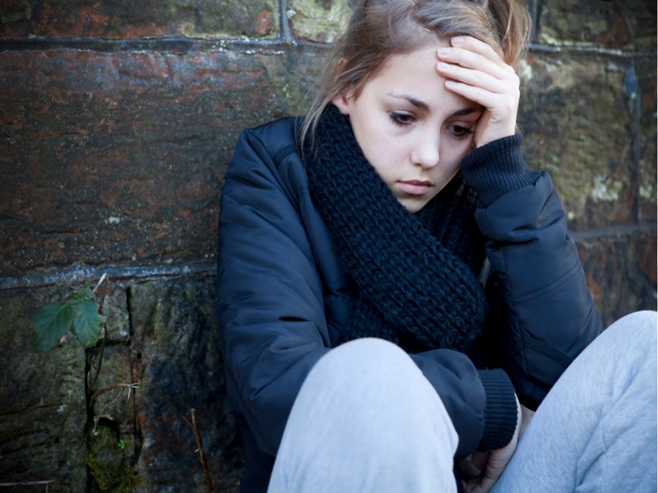 Depression Depressed people have long-lasting feelings that can include: –Hopelessness –Sadness –Apathy (not caring) –Fatigue (tired all the time) –Sl