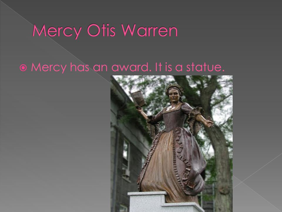  Mercy has an award. It is a statue.