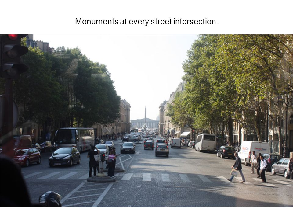 Monuments at every street intersection.