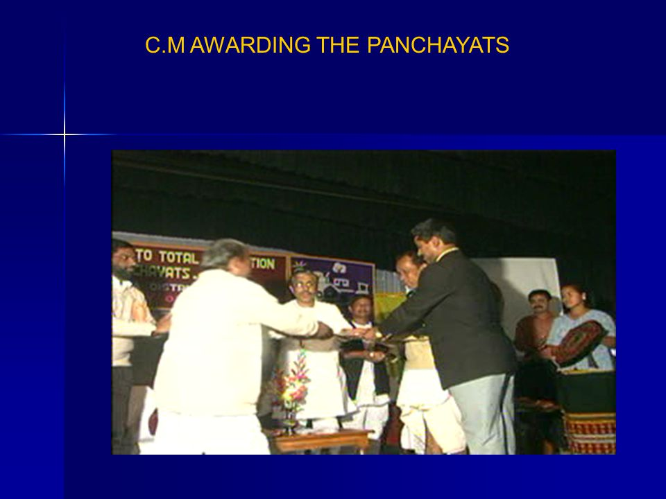 C.M AWARDING THE PANCHAYATS
