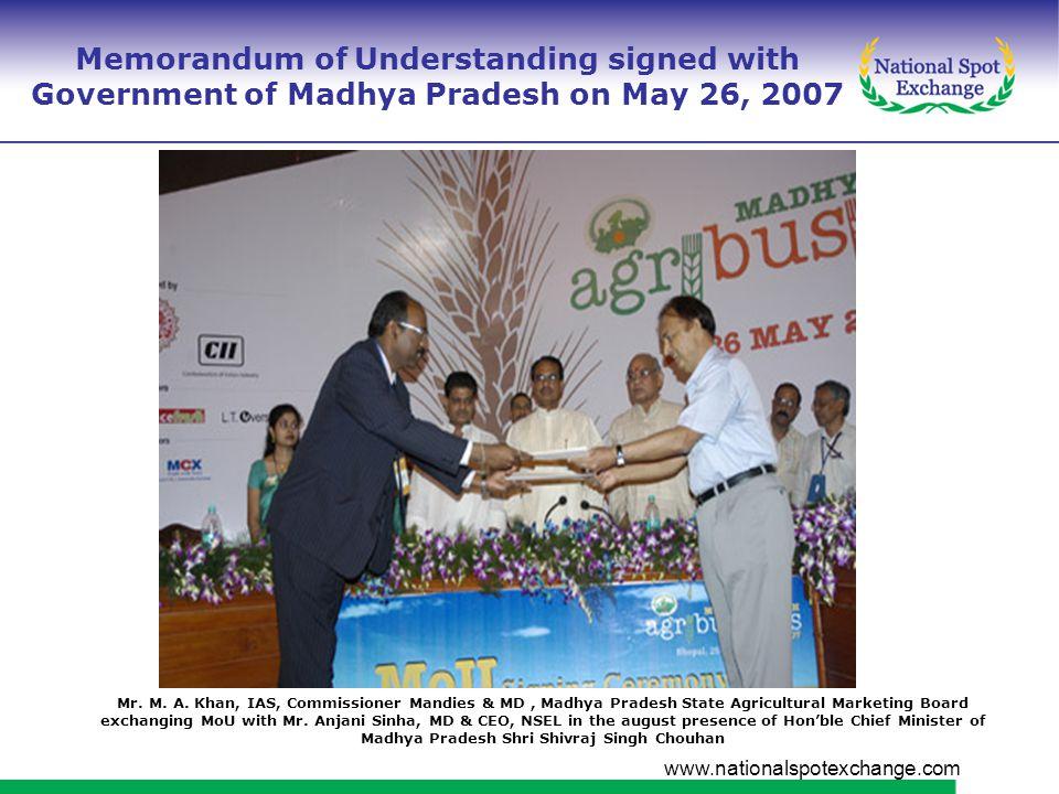 www.nationalspotexchange.com Shri Shankerlal Guru, Chairman, NSEL receiving E Market License from Hon'ble Minister of Agriculture, Government of Gujarat Shri Bhupendrasinhji Chudasama Government of Gujarat granting License to NSEL 10 th October 2007