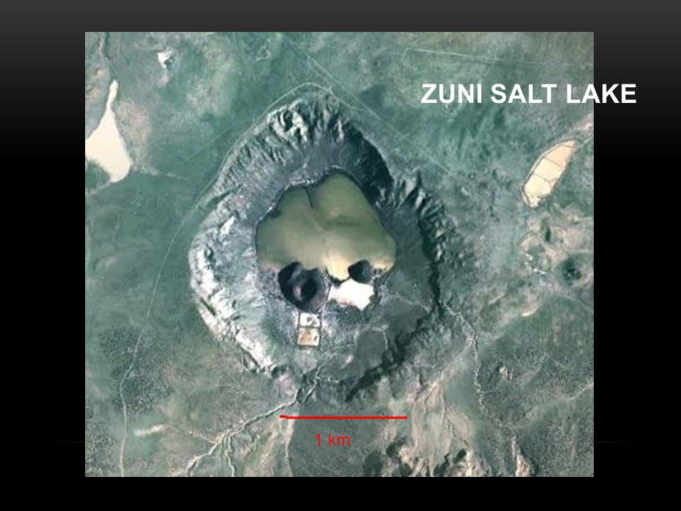 ZUNI SALT LAKE 1 km
