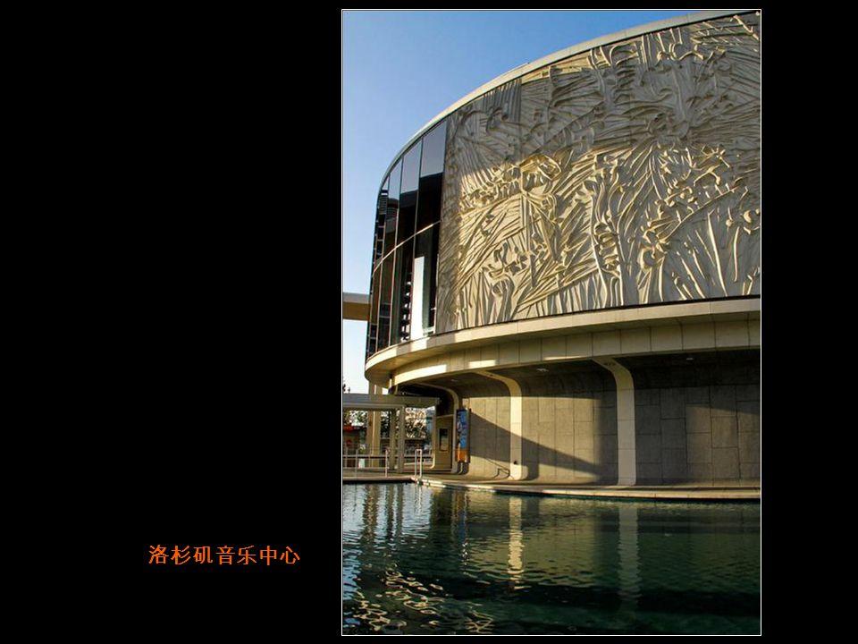 真没想到美国人 眼中的中国元素 会是这样! 洛杉矶明星大道中国剧院