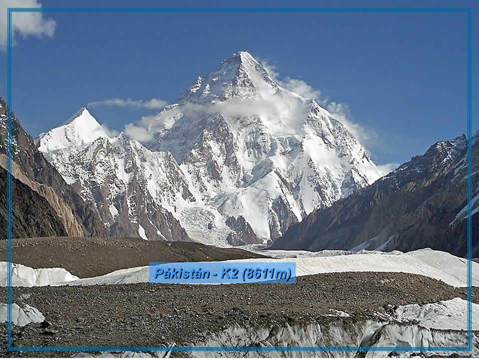 Pákistán - K2 (8611m)