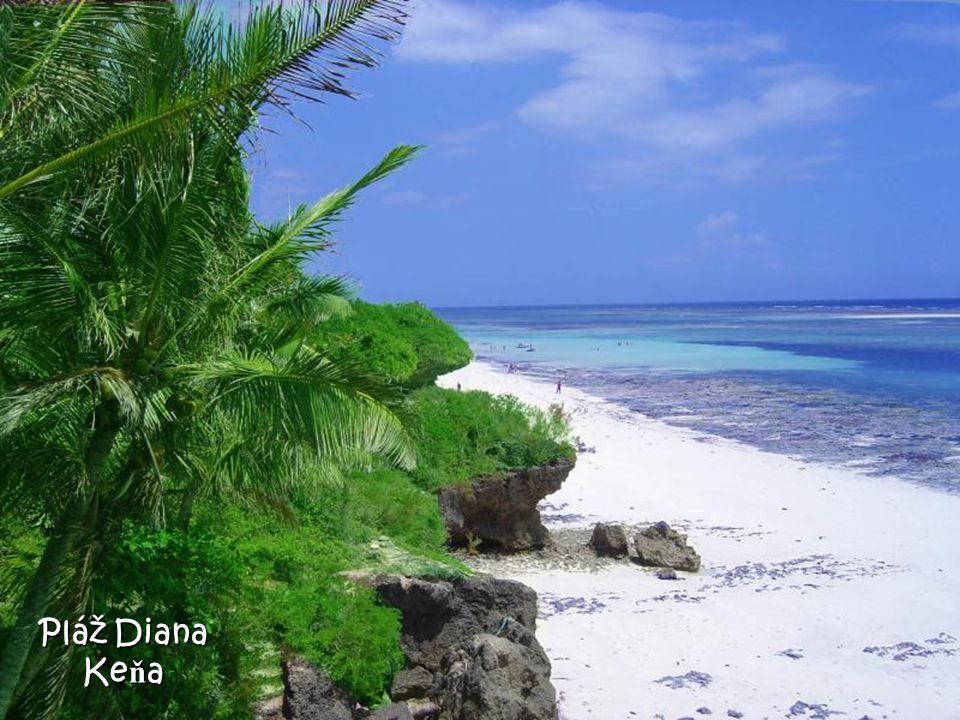 Waianapanapa (pláž s č erným pískem) Maui - Havaj