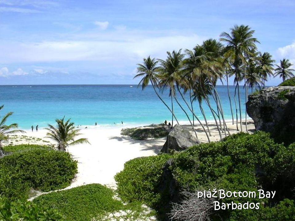 Pláž - modrá laguna Fiji