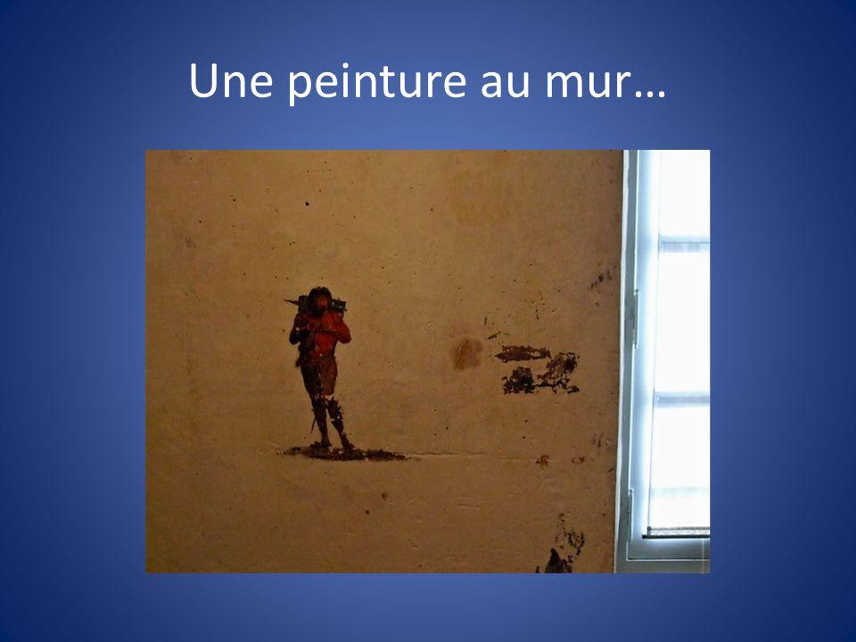 Une peinture au mur…