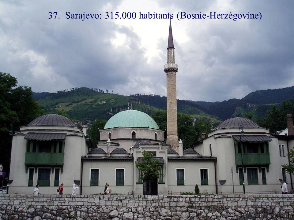 38. Nicosie: 313.000 habitants (Chypre)