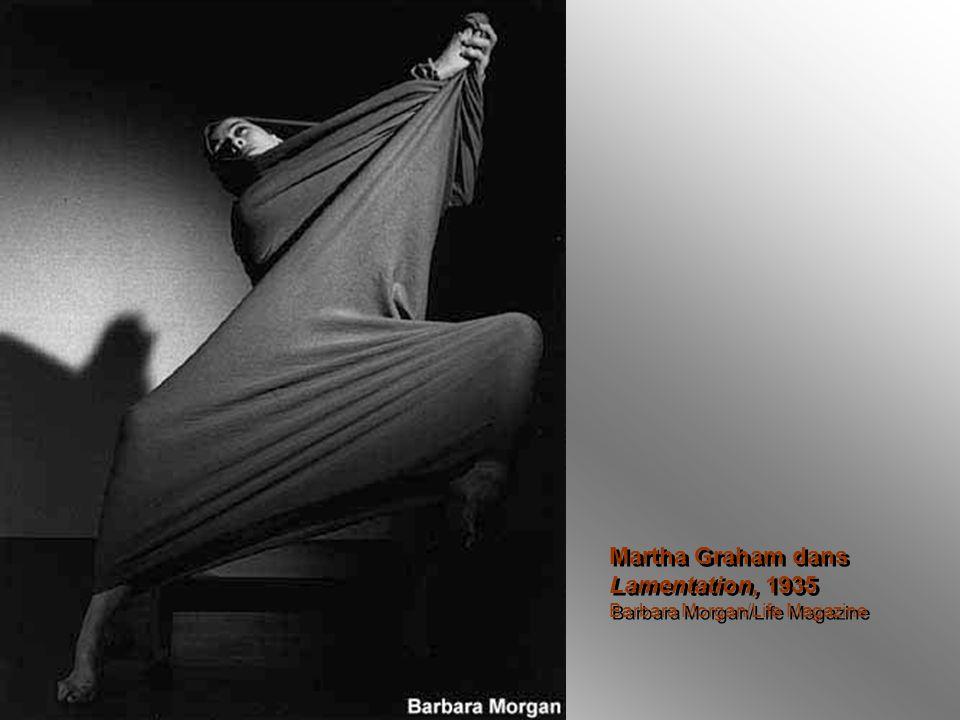 Martha Graham dans Lamentation, 1935 Barbara Morgan/Life Magazine Martha Graham dans Lamentation, 1935 Barbara Morgan/Life Magazine