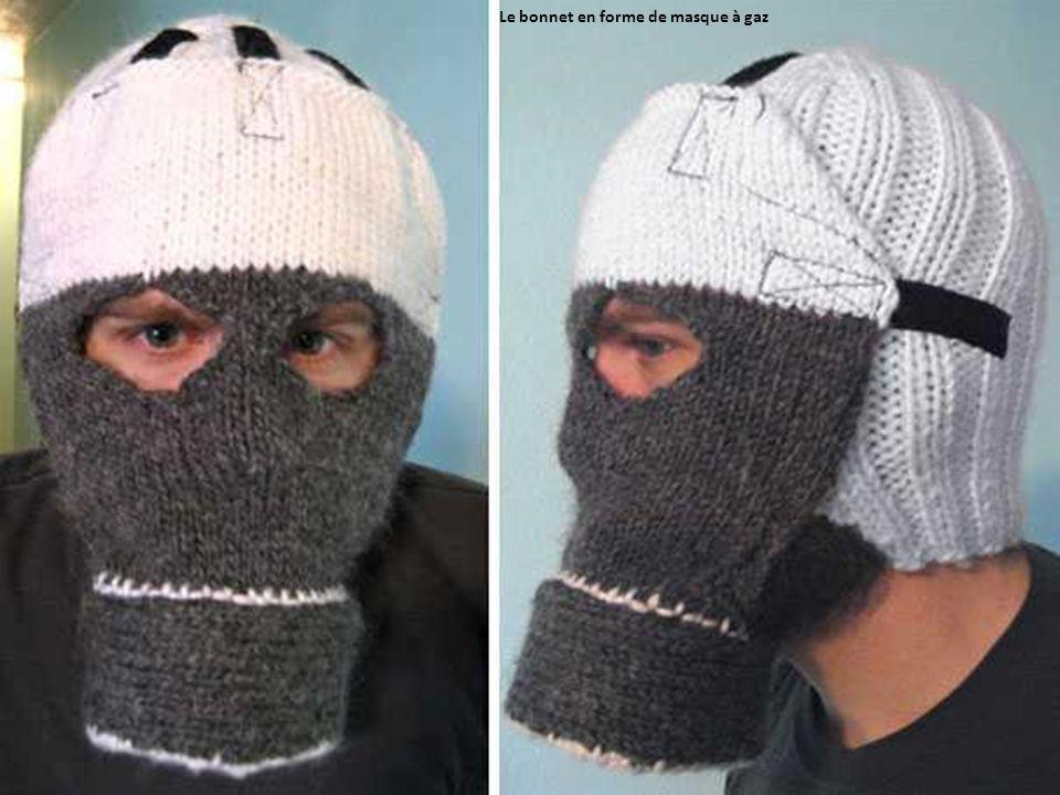 Le bonnet en forme de masque à gaz