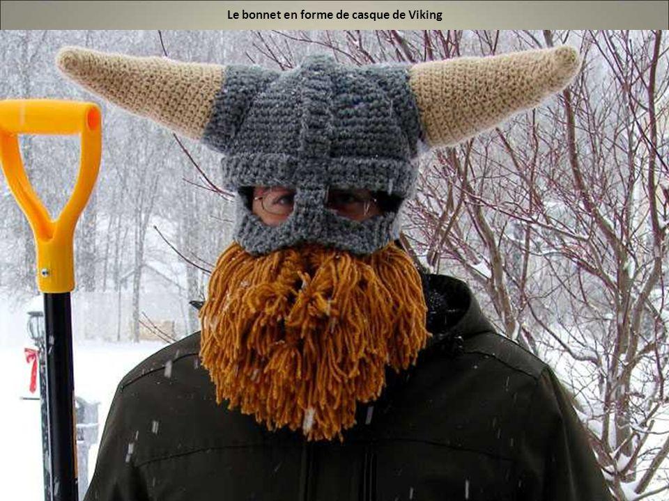 Le bonnet en forme de casque de Viking