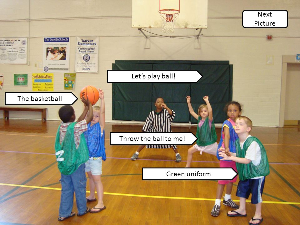 Throw the ball to me! Let's play ball! The basketball Green uniform Next Picture