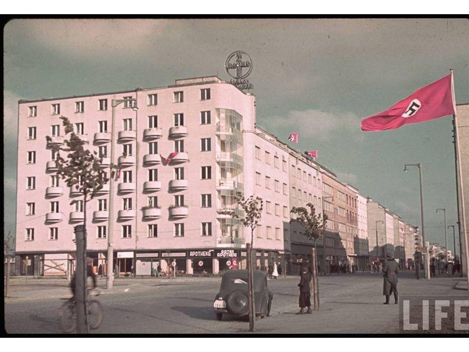 Photos rares du 3e Reich conservées par la revue Life History you don't get to see often… Musique et défilement: manuel