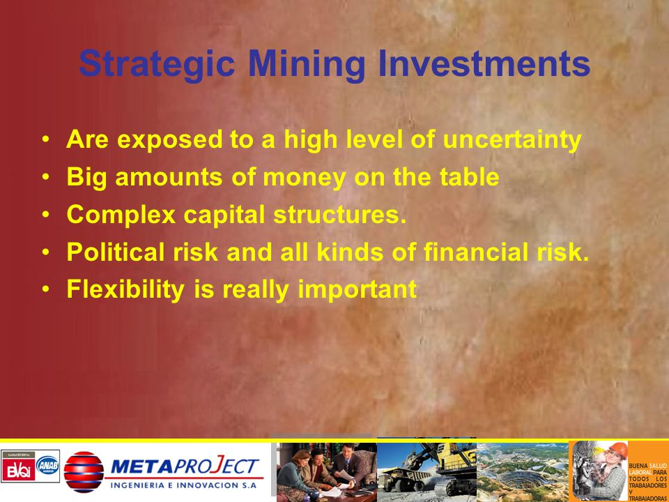 MAIN CONCLUSIONS The Latin Hypercube or Montecarlo Simulation with reversion to the mean has resulted to be a good copper and molybdenum price forecast model, allowing a better valuation of the mining property project.