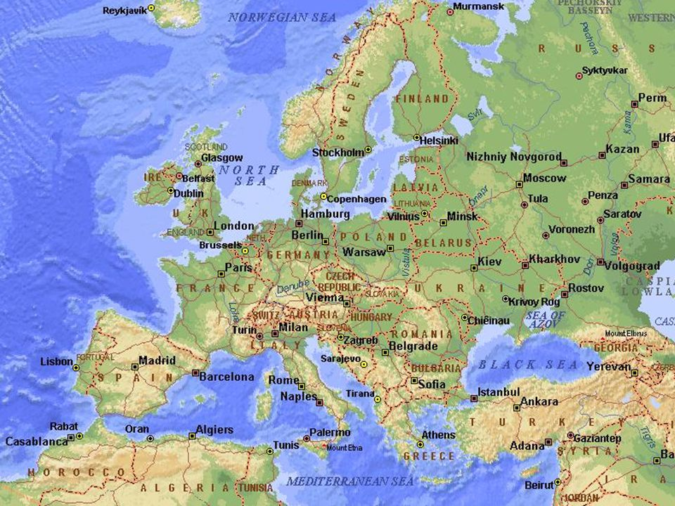 Reino de España- Kingdom of Spain Area: 505,992 km² Population: 44,708,964 Density: 88,39/km² Languages: Official: Castilian (Spanish) Co-official: Catalan, Basque, Galician Unofficial: Asturian, Aragonese, Aranese (dialect of Occitan), Valencian Dialect: Murcian, Andaluz