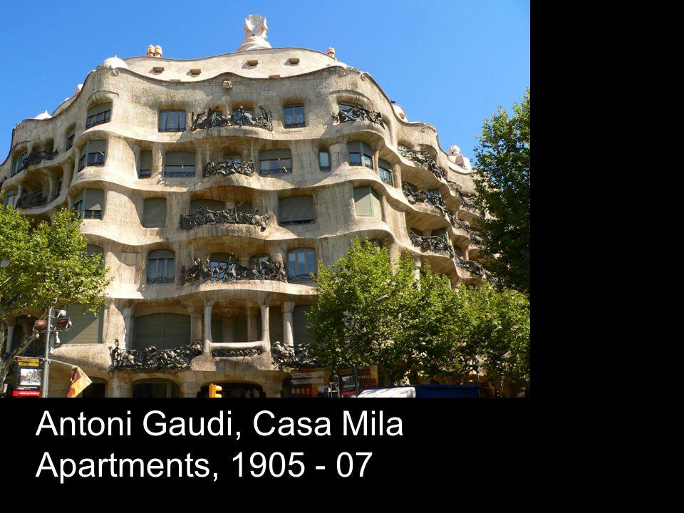 Antoni Gaudi, Casa Mila Apartments, 1905 - 07
