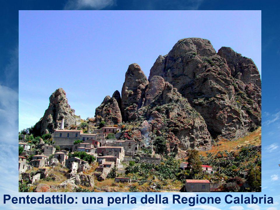 Pentedattilo: una perla della Regione Calabria