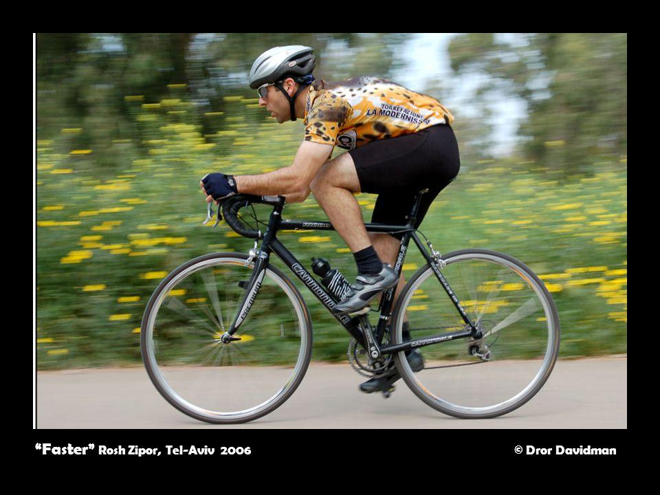 Faster Rosh Zipor, Tel-Aviv 2006 © Dror Davidman