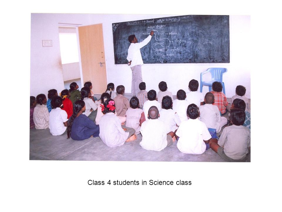 Class 4 students in Science class