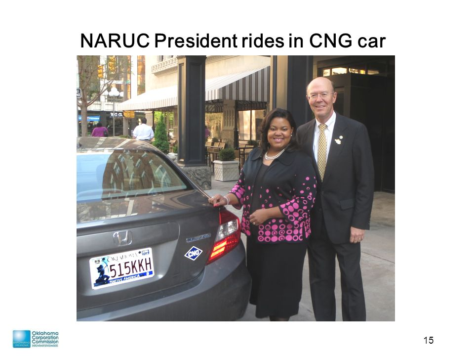 15 NARUC President rides in CNG car