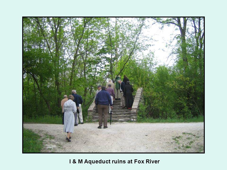 I & M Aqueduct ruins at Fox River