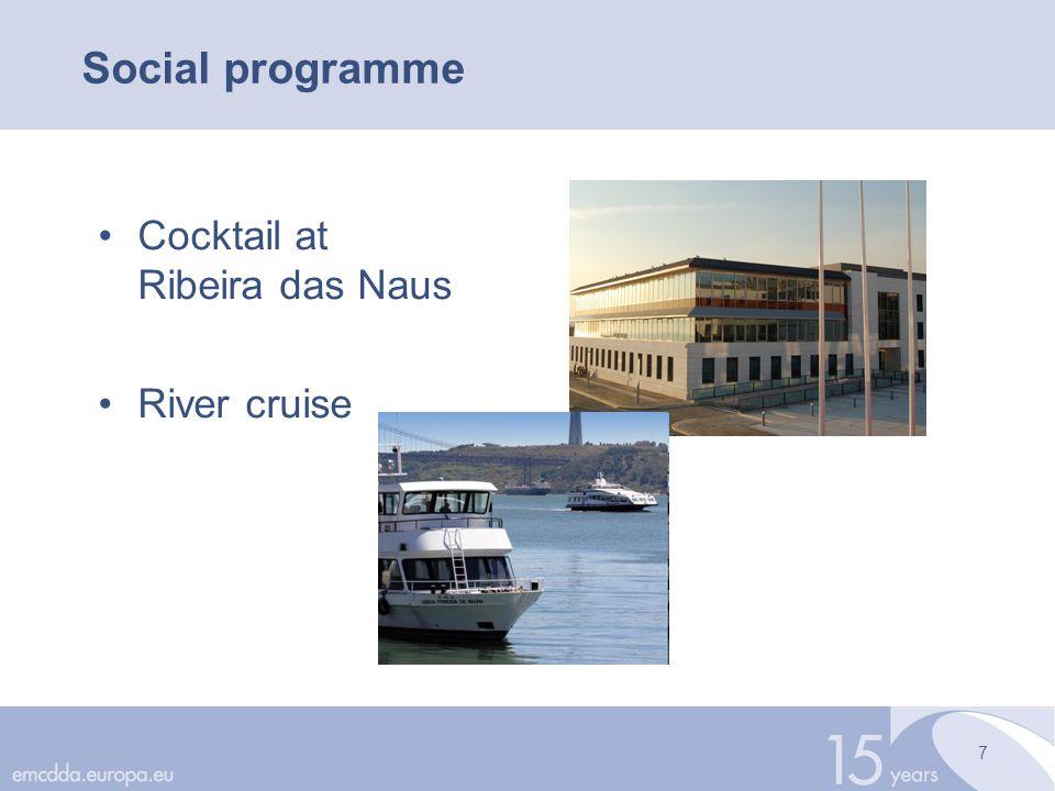 7 Social programme Cocktail at Ribeira das Naus River cruise
