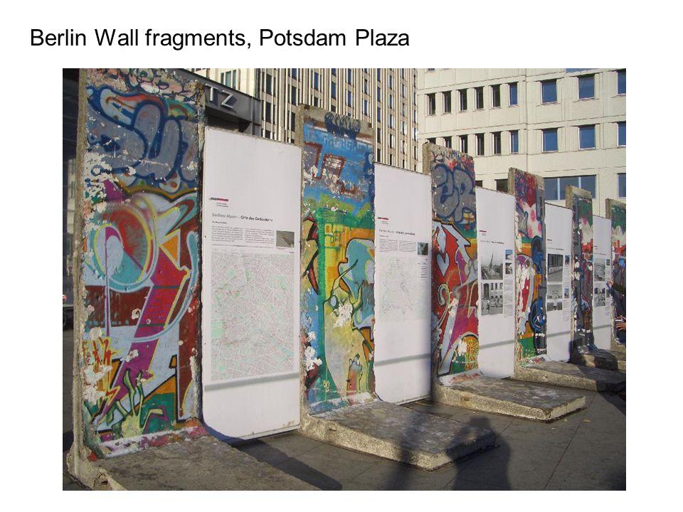 Berlin Wall fragments, Potsdam Plaza
