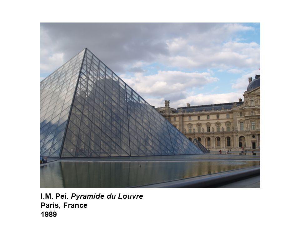 I.M. Pei. Pyramide du Louvre Paris, France 1989